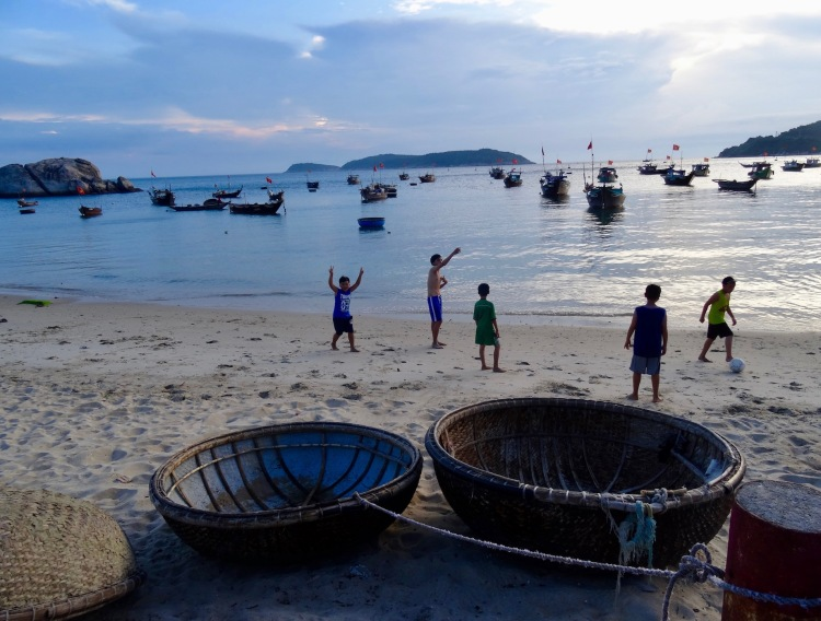Bai Lang Beach Bai Lang Village Cham Island Vietnam