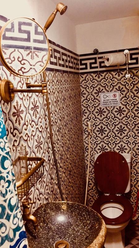 Bathroom Phuong Van Hotel Ho Chi Minh Vietnam