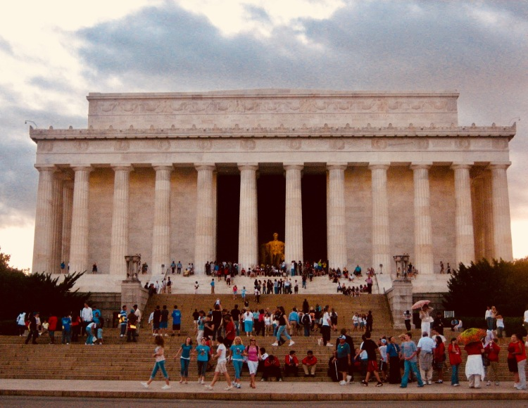 The Lincoln Memorial Washington DC Monuments by Moonlight Tour