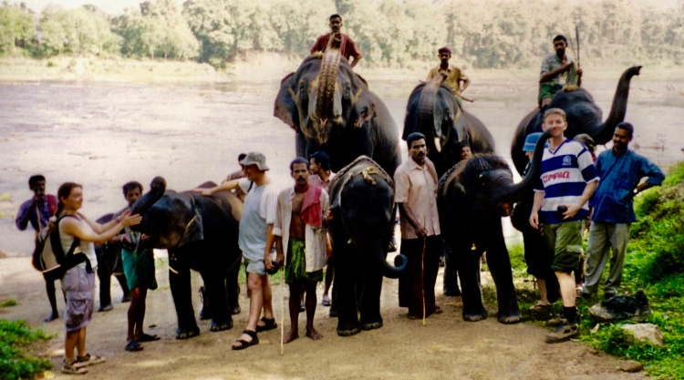 Group photo Kodanad Elephant Sanctuary April 2004