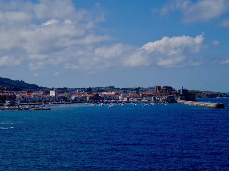 Things to see and do Castro Urdiales Cantabria Spain