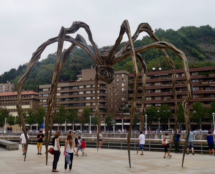 Maman spider Louise Bourgeois The Guggenheim Museum Bilbao Spain