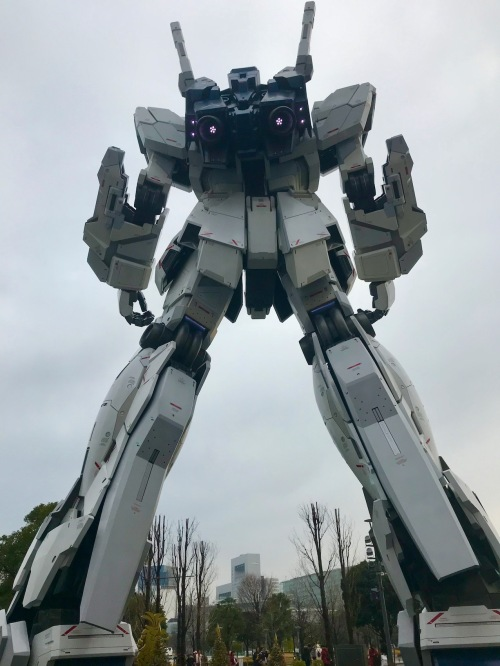 Unicorn Gundam Statue rear view Diver City Plaza Odaiba Island Tokyo