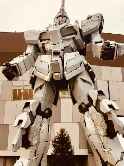 Unircorn Gundam Statue Odaiba Island Tokyo