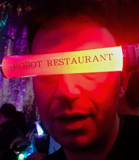 Review Robot Restaurant Tokyo.