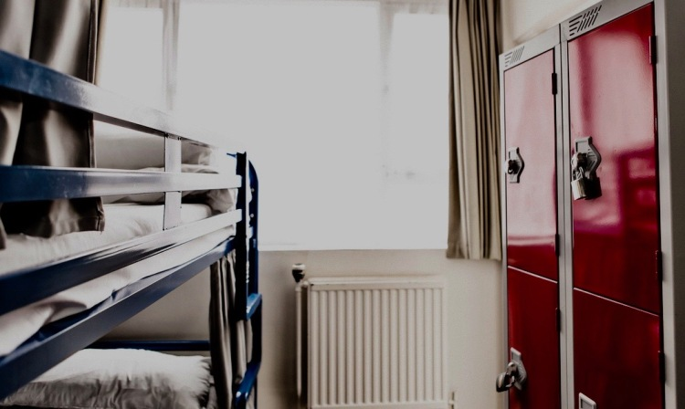 4 man dorm Hatters Hostel Liverpool.