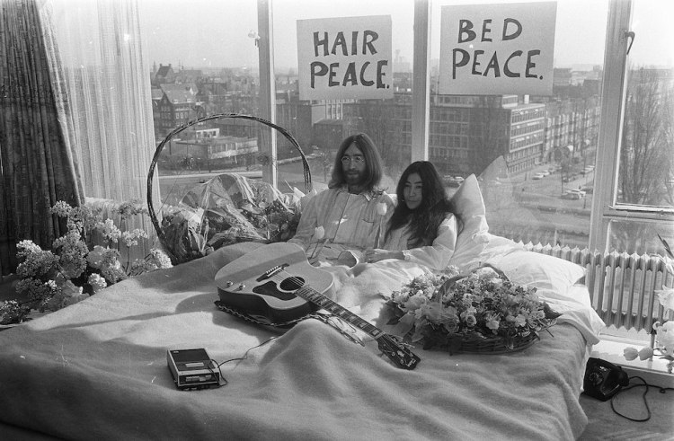 John Lennon and Yoko Ono Amsterdam Bed-In The Hilton Hotel March 1969.